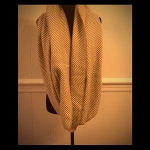 EUC- 100% Wool Oversized Infinity Scarf